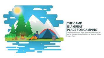 illustrazione del paesaggio della giornata di sole in cartone animato stile piatto un uomo seduto accanto a una tenda falò montagne sullo sfondo della foresta per il campeggio estivo natura turismo campeggio o escursionismo concept design vettore
