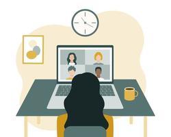 conferenza, comunicazione e formazione online. una donna si siede davanti a un laptop e guarda lo schermo. vettore