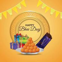 felice biglietto di auguri invito bhai dooj, con pooja thali e dolce vettore