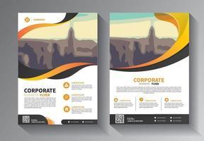 design brochure, copertina layout moderno, relazione annuale, poster, volantino in a4 con triangoli colorati, forme geometriche per tecnologia, scienza, mercato con sfondo chiaro vettore
