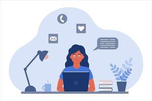 la ragazza alla scrivania guarda lo schermo del laptop. il concetto di apprendimento online, comunicazione tramite video, chat e posta. immagine vettoriale in uno stile cartone animato piatto