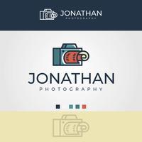 La singola lente minimalista piana riflette il modello di vettore di logo di fotografia della macchina fotografica
