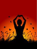 femmina in posa yoga contro il cielo al tramonto vettore