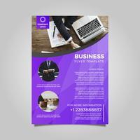 Modello di vettore di piatto moderno Business Flyer