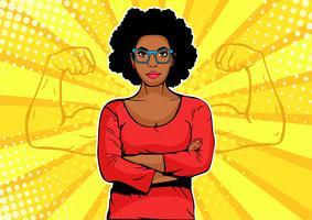 Donna di affari afroamericana con stile retrò di muscoli pop art vettore