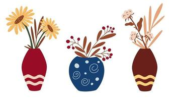 vasi con fiori secchi e fiori autunnali. una serie di decorazioni per interni in stile boho. girasoli, cotone, fiori secchi. arredamento per la casa alla moda. concetto di design elegante. illustrazione vettoriale