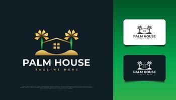 logo della casa e delle palme in verde e oro, adatto per l'industria immobiliare, dei viaggi o del turismo vettore