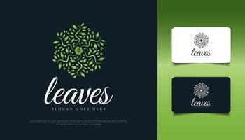 design del logo circolare a foglia verde, adatto per spa, bellezza, fioristi, resort o identità di prodotti cosmetici vettore