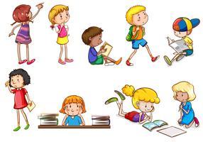 Set di bambini che fanno attività scolastiche vettore