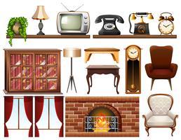 Diversi oggetti vintage su sfondo bianco