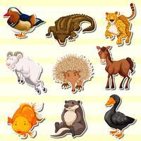 Animali selvatici nel set di adesivi vettore
