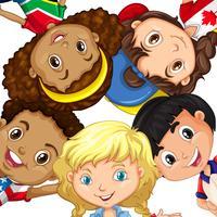 gruppo di bambini diversi vettore