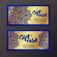 Ricchi certificati regalo in oro in stile indiano. vettore