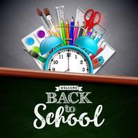 Torna a scuola design con matita colorata, pennello e altri oggetti della scuola su sfondo giallo. Illustrazione vettoriale con sveglia, lavagna e tipografia lettering per biglietto di auguri