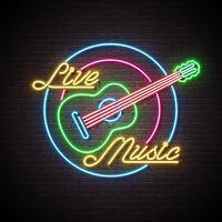 Insegna al neon di musica in diretta con la chitarra e lettera sul fondo del muro di mattoni. Modello di design per poster decorazione, copertina, flyer o poster promozionale. vettore