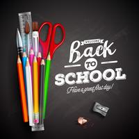 Torna a scuola design con matita colorata, penna e tipografia scritta su sfondo nero lavagna. Illustrazione vettoriale con righello, forbici, pennello