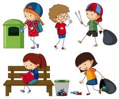 I bambini ripuliscono la spazzatura vettore