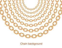 Sfondo con catene collana metallica dorata. Su bianco