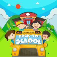 Bambini che cavalcano lo scuolabus
