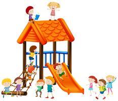 I bambini giocano sulla diapositiva vettore
