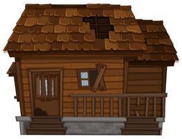 Vecchia casa di legno in cattive condizioni