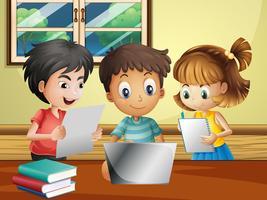 Tre bambini che fanno ricerche sul computer nella stanza vettore