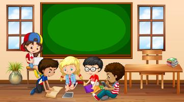 Molti bambini imparano in classe vettore