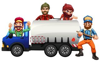 Autista di camion dell'autocisterna su fondo bianco