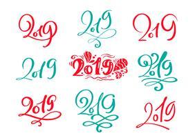 Insieme del modello di scheda di disegno del testo 2019 di Natale di lettering calligrafico scandinavo di vettore. Tipografia creativa per poster regalo di auguri di vacanza. Banner stile font calligrafia
