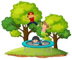 I bambini saltano sul trampolino vettore