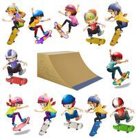 Ragazzi e ragazze che skateboarding sulla rampa vettore