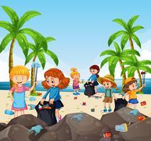 Bambini volontari che raccolgono rifiuti in spiaggia vettore