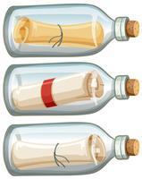 Lettera in bottiglia su sfondo bianco