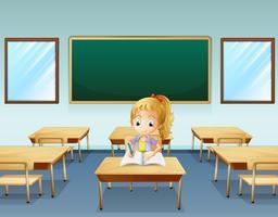 Una ragazza che scrive con una scheda vuota sul retro