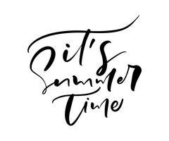 È il testo di vettore di calligrafia lettering disegnato a mano Summer Time. Citazione divertente illustrazione design logo o etichetta. Manifesto dell'annata di tipografia ispiratrice, banner