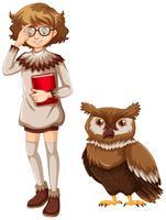 Donna e gufo marrone su sfondo bianco