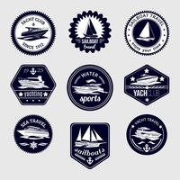 Set di icone di etichette di viaggio di barche a vela vettore