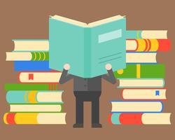 Equipaggi il libro di lettura davanti al mucchio dei libri, del concetto di saggezza e del giorno del libro del mondo