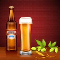 Concetto di design di birra con bottiglia e vetro vettore