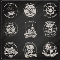 Insieme del gesso della lavagna degli emblemi del pirata