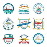 Set di emblemi di canoa e kayak da rafting vettore