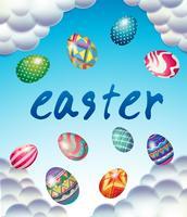 Modello di carta di Pasqua con le uova nel cielo blu