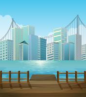 Molo con sfondo vista città