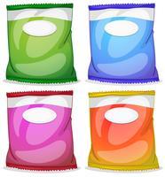 Quattro pacchetti con etichette vuote
