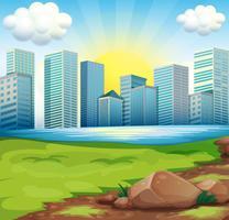Una vista degli edifici alti sotto il sole splendente