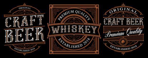 Etichette di alcol vintage su sfondo scuro