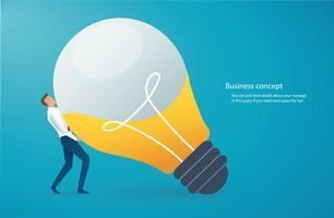 uomo d'affari che porta lampadina. concetto di pensiero creativo