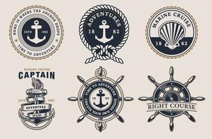 Set di distintivi marini sullo sfondo chiaro vettore