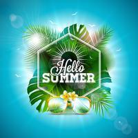 Ciao illustrazione di estate con la lettera di tipografia e foglie tropicali su sfondo blu oceano. Vector Holiday Design con piante esotiche, fiori e occhiali da sole