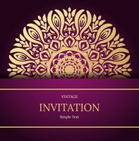 Design elegante della carta Save the Date. Modello di carta di invito floreale vintage. Cartolina d'auguri di lusso turbinio mandala, oro, viola vettore